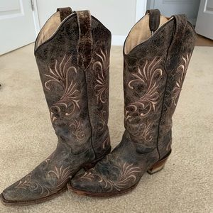 Embroidered Cowgirl Boots - Snip Toe